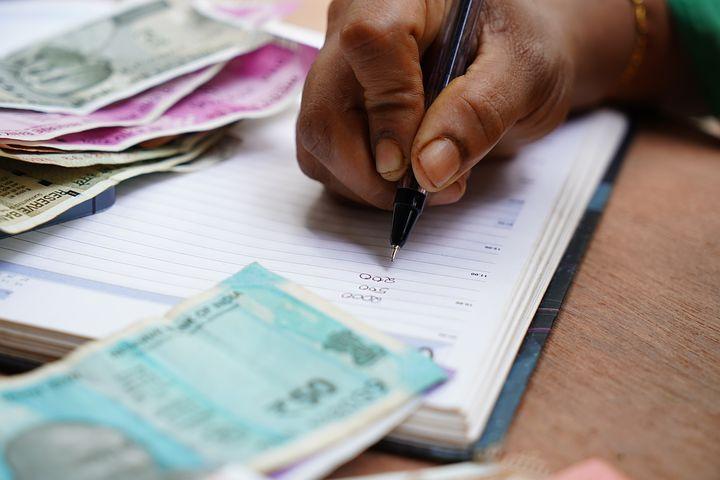 להתמודד עם החובות